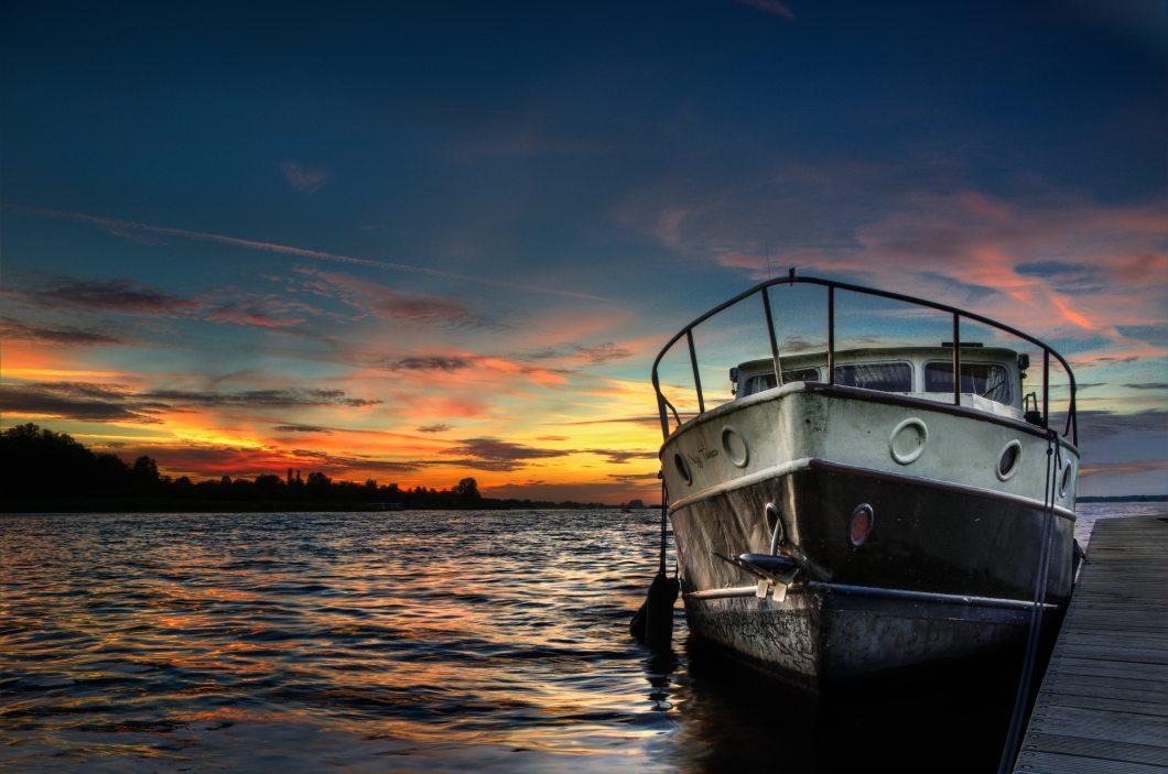boat-dusk-hdr-9242